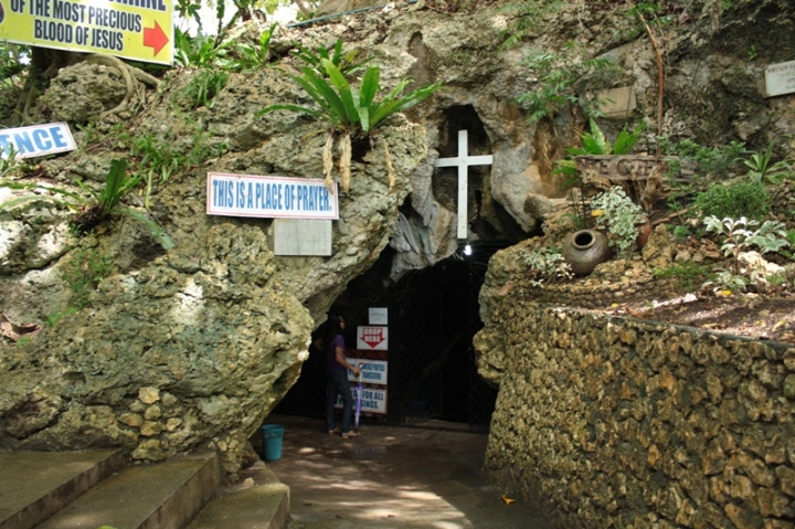 The Cave Church's entrance