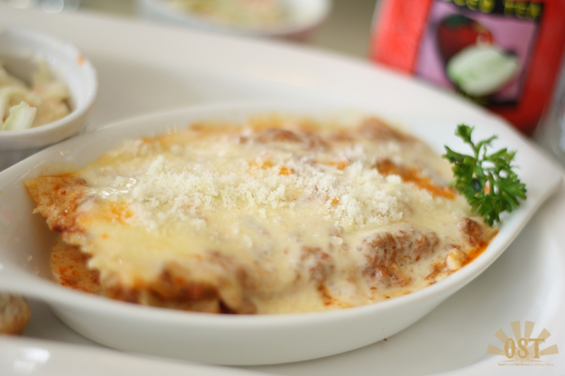 Lasagne for P160.00 only (And it's good for 2!)
